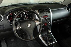 Suzuki Grand Vitara. Интерьер