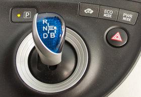 Управление режимами коробки и силовой установки Тоета Prius