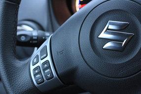 Кнопки на руле Suzuki SX4