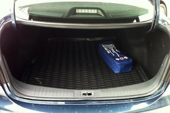 Nissan Almera New. Багажник