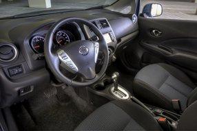 Nissan Note: интерьер