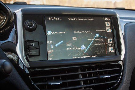 Мультимедийная система Peugeot 208