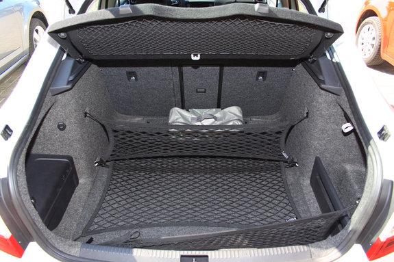 Новенькая Шкода Октавия (Skoda Octavia 3) багажник