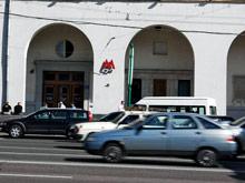 """Во время сбоев в московском метро автобусам и машинам будут включать """"зеленую волну"""""""