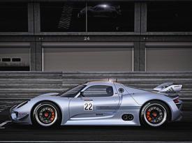 Porsche 918 RSR. Вид с боковой стороны