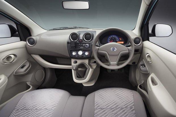 Datsun on-DO: Lada Granta, только в профиль