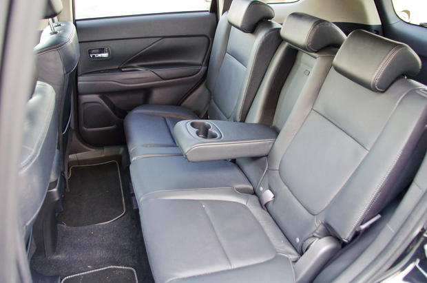 Mitsubishi Outlander III: с харизмой, выбритой до синевы (ФОТО)